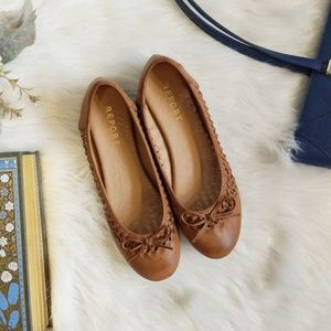 Report brown lattice flats size 9